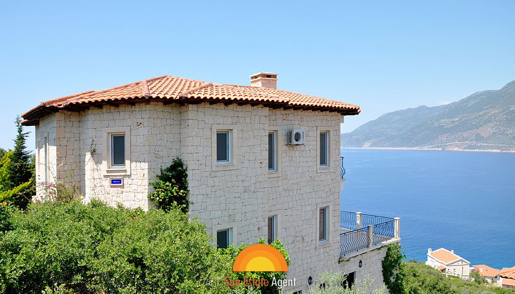 Villa with stunning views in Peninsula